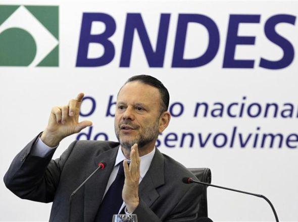 """Presidente do BNDES diz que Banco Central vai colocar inflação """"nos eixos"""""""