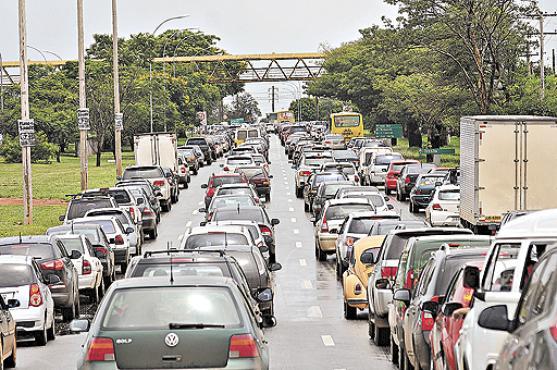 Governo deixa de arrecadar R$ 30 bilhões de veículos particulares