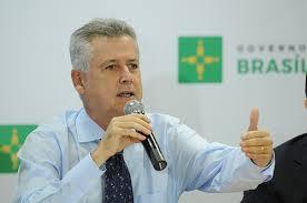 Governador explica parcerias e reforça que privatizar está fora de cogitação