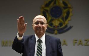 17/05/2016. Credito: Ed Alves/CB/D.A Press. Brasil. Brasilia - DF. Entrevista com o ministro da fazenda Henrique Meireles, em seu gabinete no ministerio.