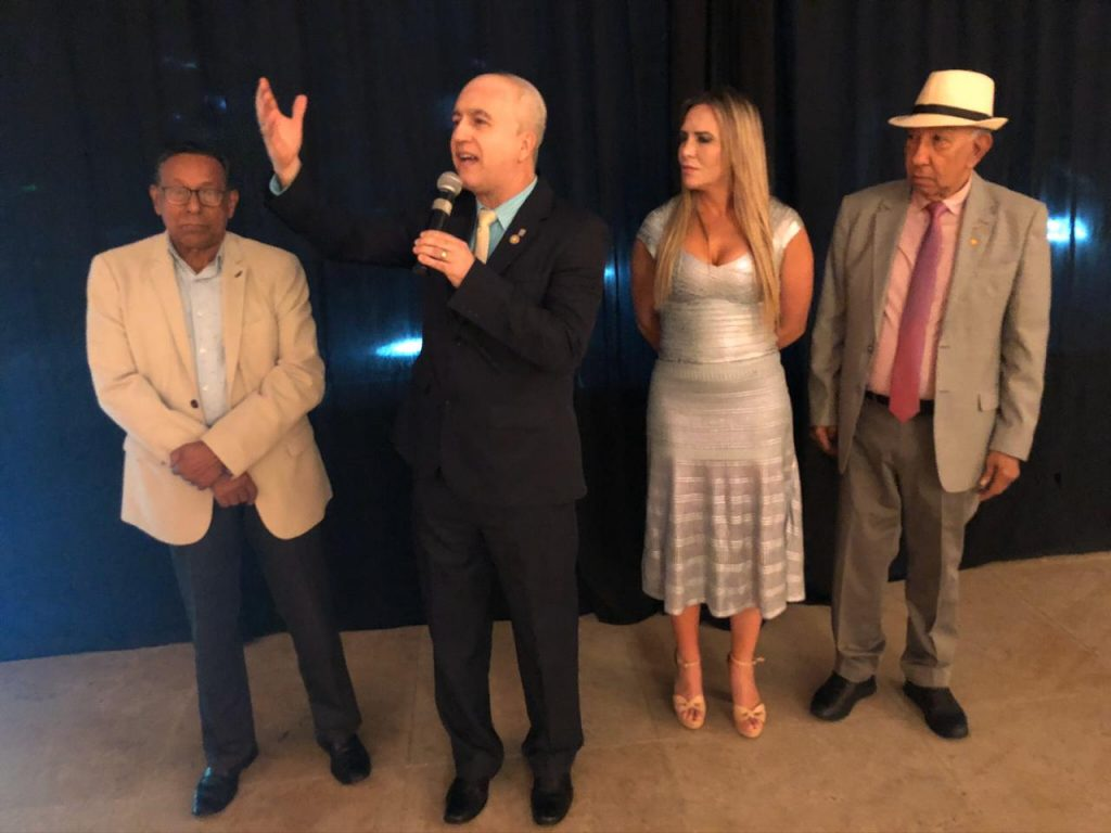 Os auditores da Receita do DF juntamente com a Deputada Celina Leão