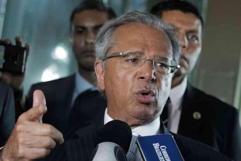 """Guedes diz que clima é de """"absoluta serenidade"""" na equipe econômica"""
