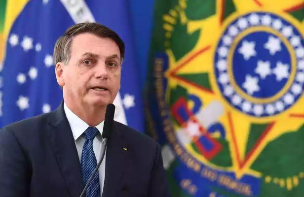 Bolsonaro diz que seguirá cartilha de Guedes e vetará reajuste a servidores